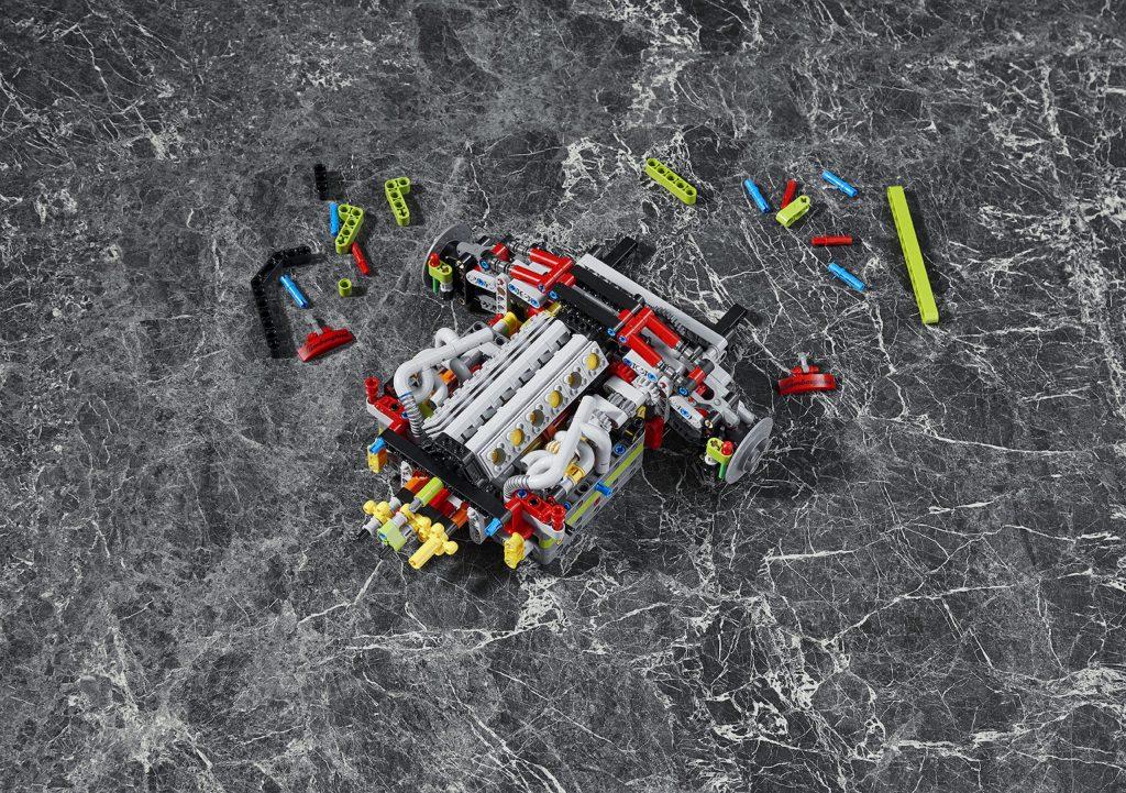 Lego Technic Lamborghini Sián engine components