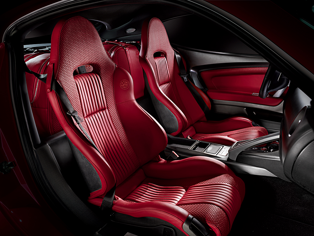Alfa Romeo 8C Competizione Interior