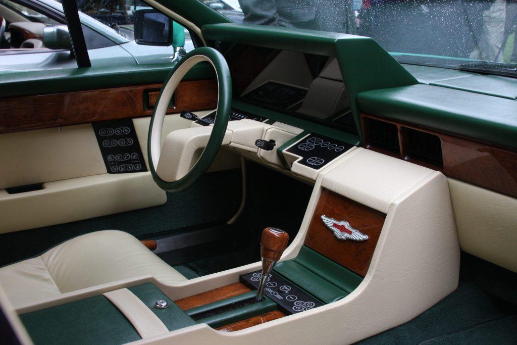 1982-Aston-Martin-Lagonda steering wheel_Hagerty