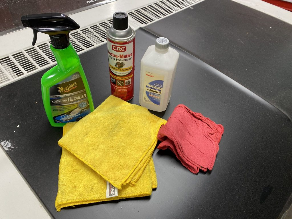 The best products for safely clean your car's engine bay_Hagerty
