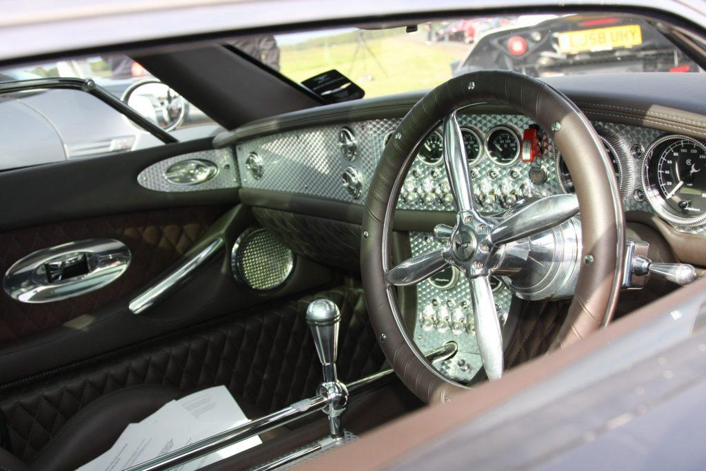 Spyker-C8 steering wheel_Hagerty