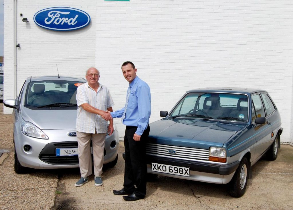 A driver trades in their classic Ford Fiesta for a new Ford Ka during the 2009 scrappage scheme_Hagerty