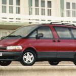 The Toyota Previa slugged it out with the Renault Espace in the battle to build the best family car_Giles Chapman