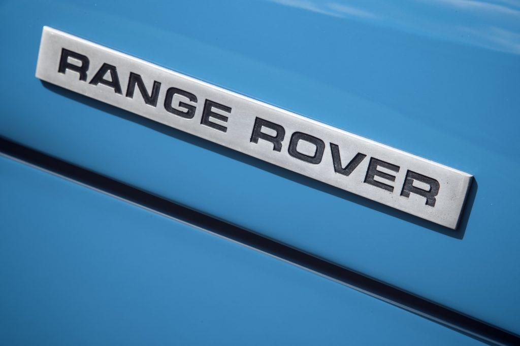 Range Rover badge of the original 1970 model_Hagerty