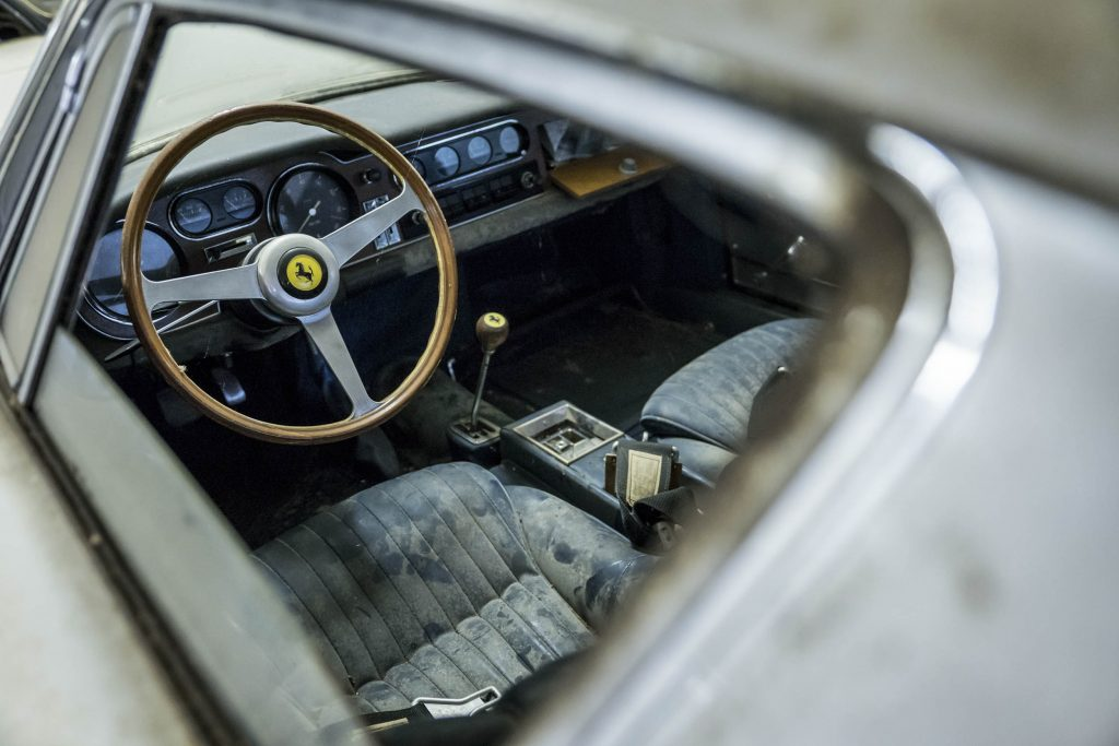 Ferrari 275 GTB Interior