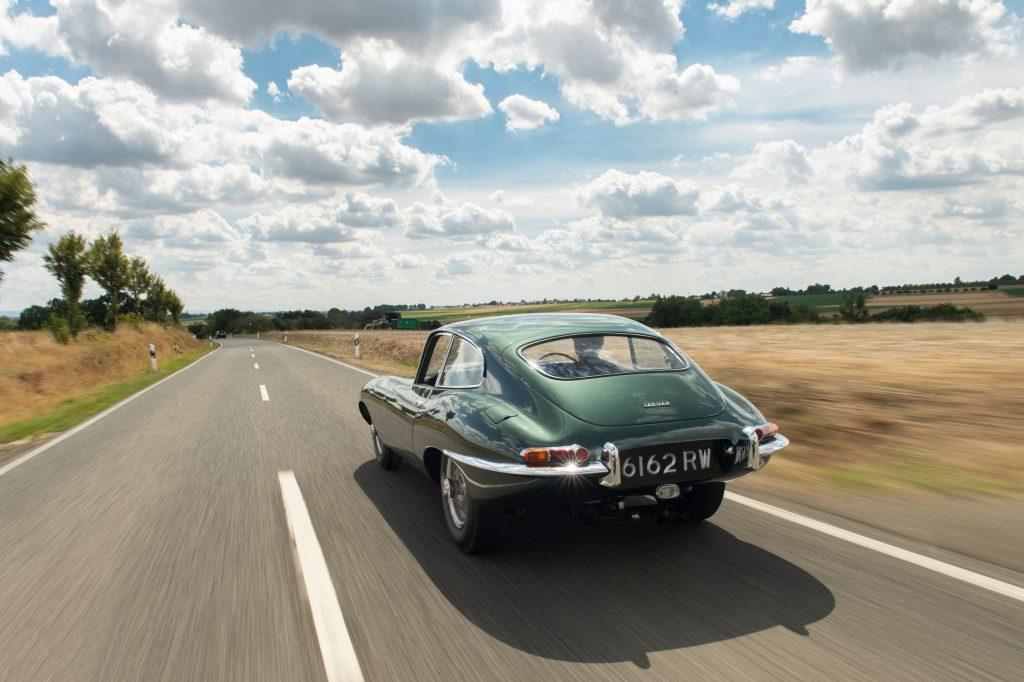 1961-Jaguar-E-Type-Series-1-3-8-Litre-Fixed-Head-Coupe-_1
