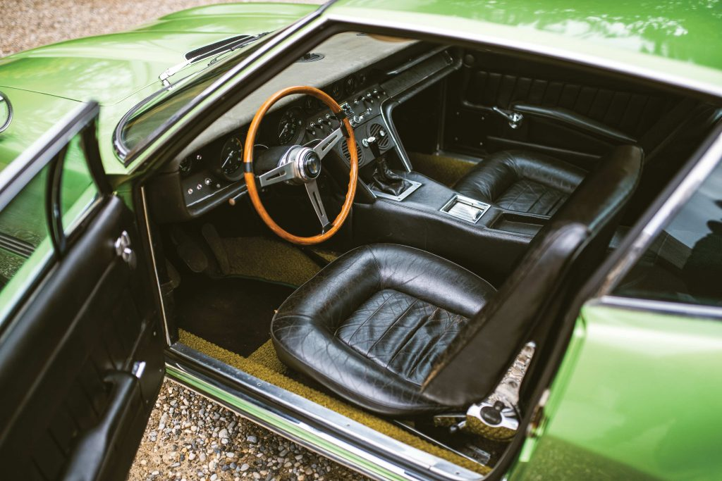 1967-Maserati-Ghibli-Coupe interior cabin