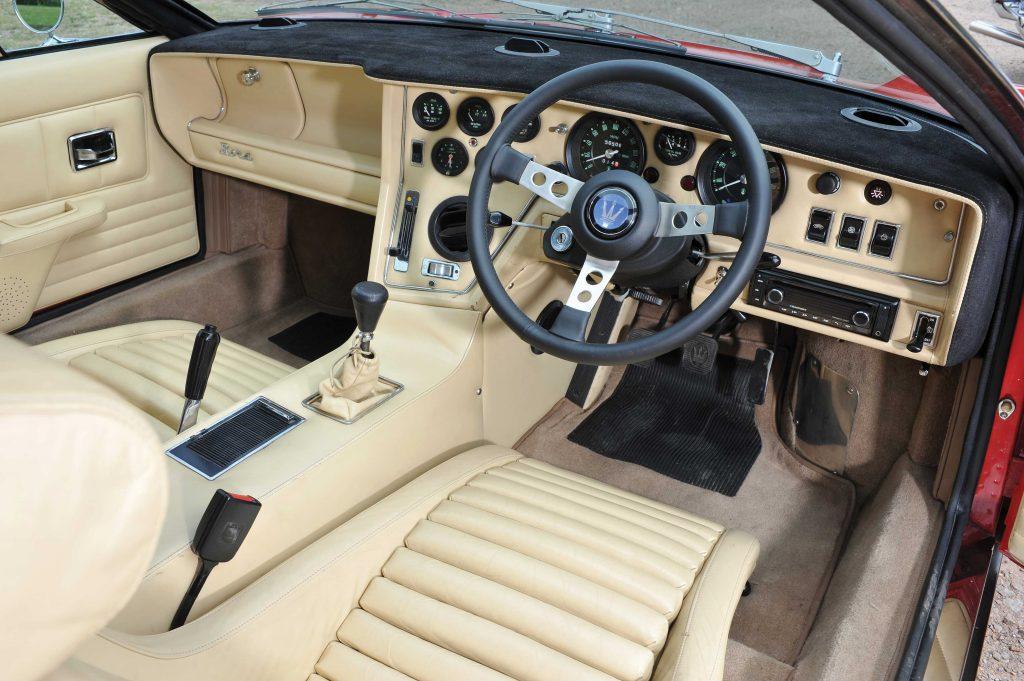 1972-Maserati-Bora cabin