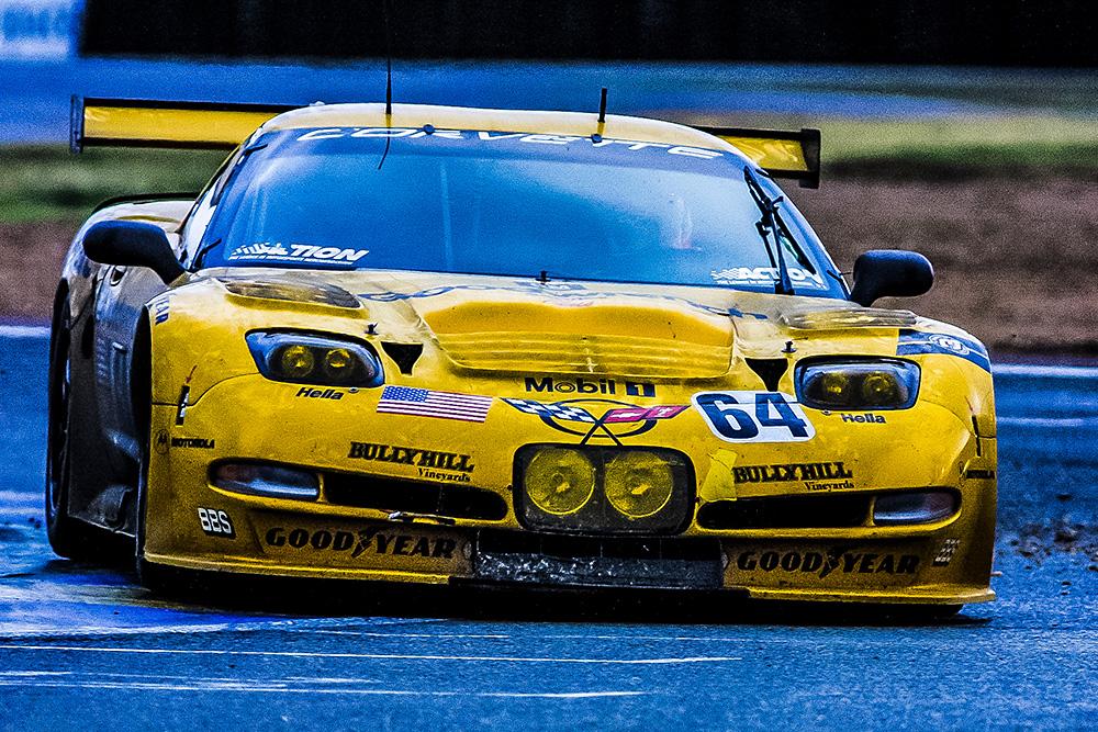 2001-64-Corvette-Racing