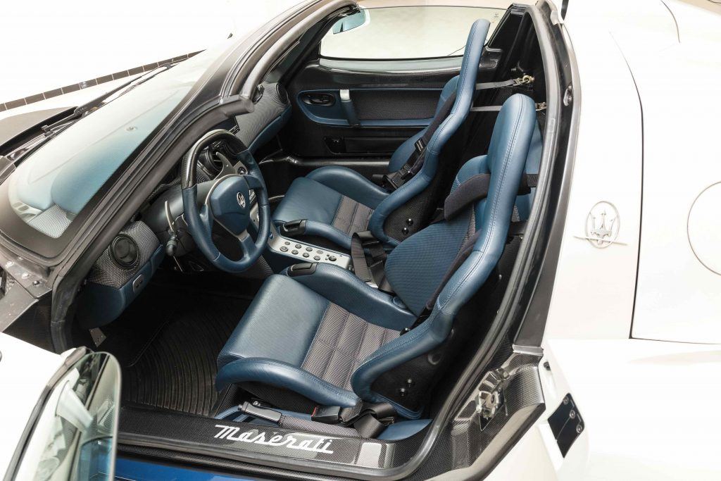 2005-Maserati-MC12 interior