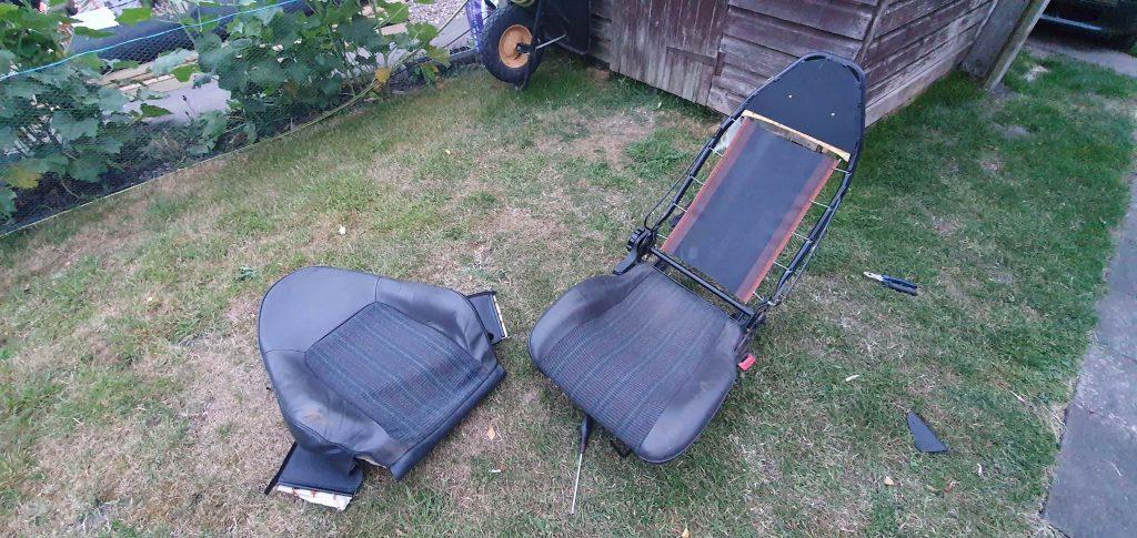 Refurbishing seats of the Lotus Elan M100
