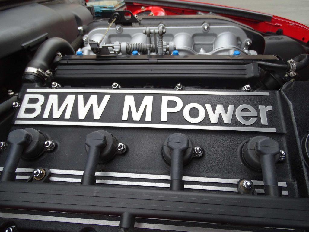 BMW M3 E30 engine