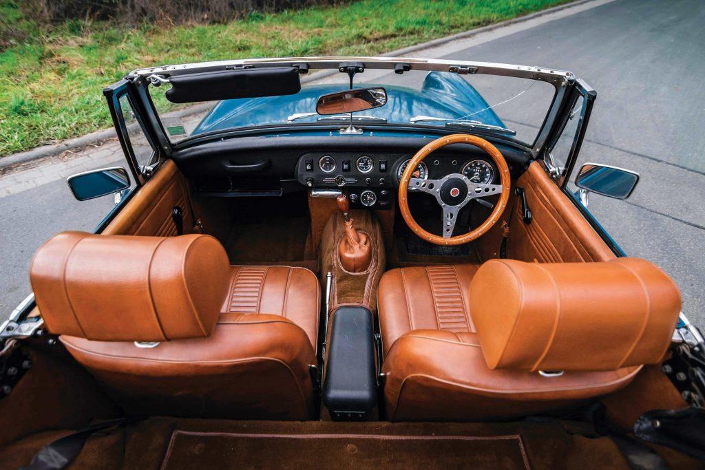 MG Midget interior_Buying Guide