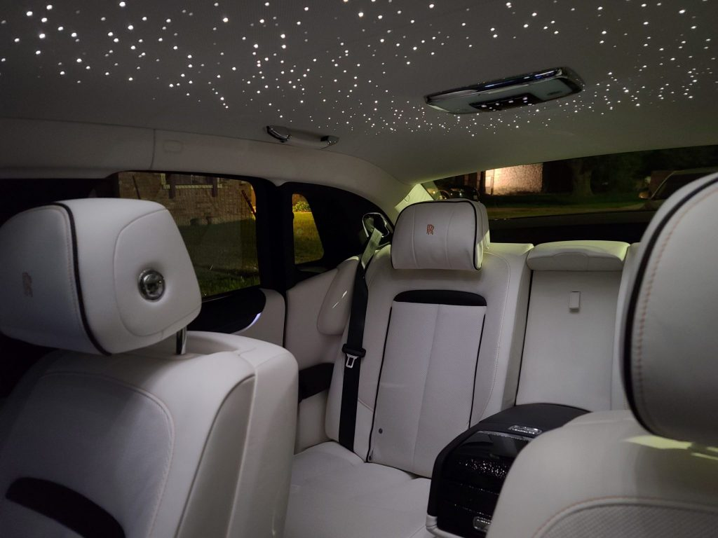 Rolls-Royce Ghost 2021 rear seats and roof lining