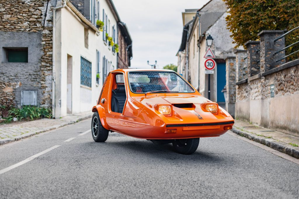 This 150bhp bike-powered Bond Bug is bonkers