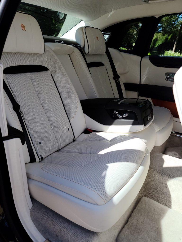Rolls-Royce Ghost 2021 rear seats