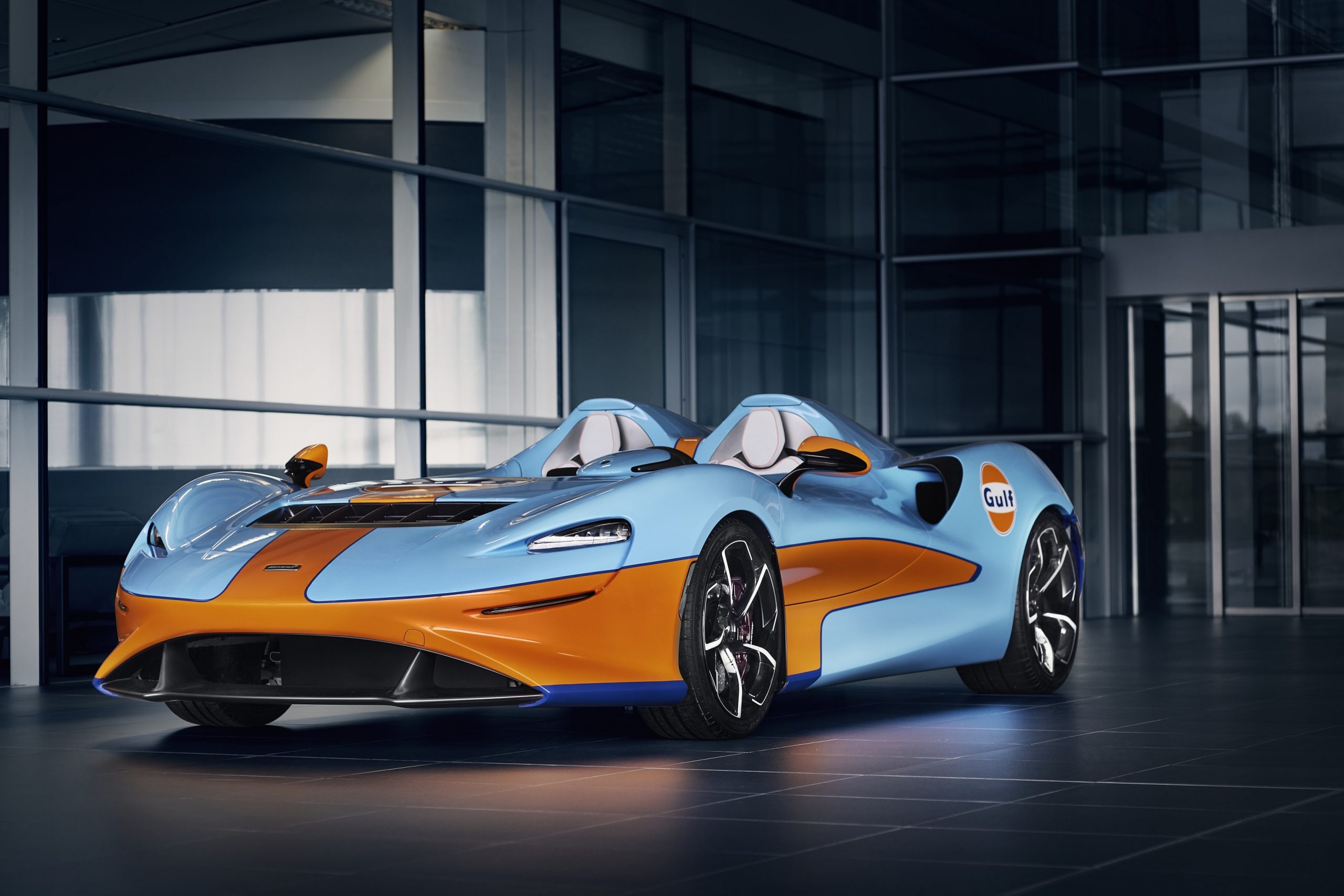Ice-cool Gulf McLaren Elva debuts at SpeedWeek