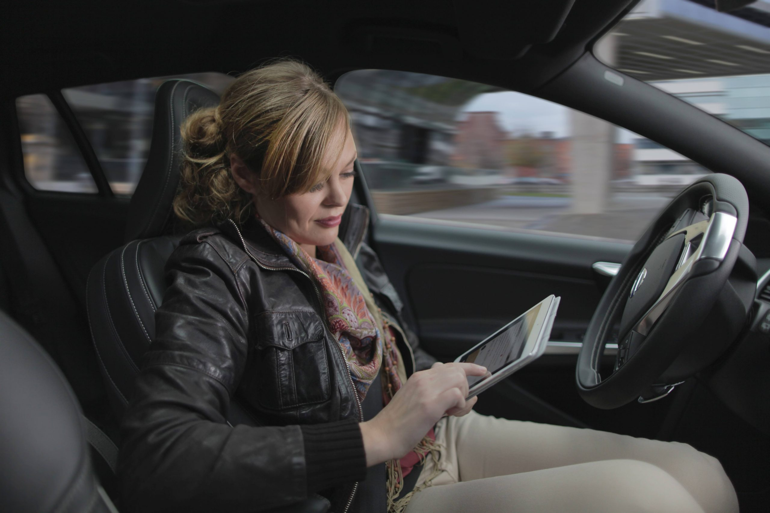 Study highlights the dangers of partially autonomous cars