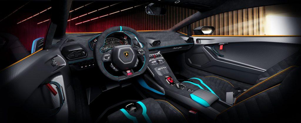 Lamborghini Huracán STO interior