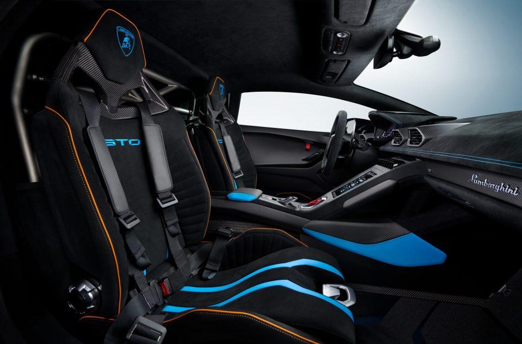 Lamborghini Huracán STO sports seats