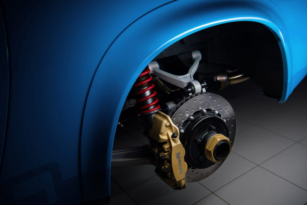 Volvo P1800 Cyan suspension and brakes