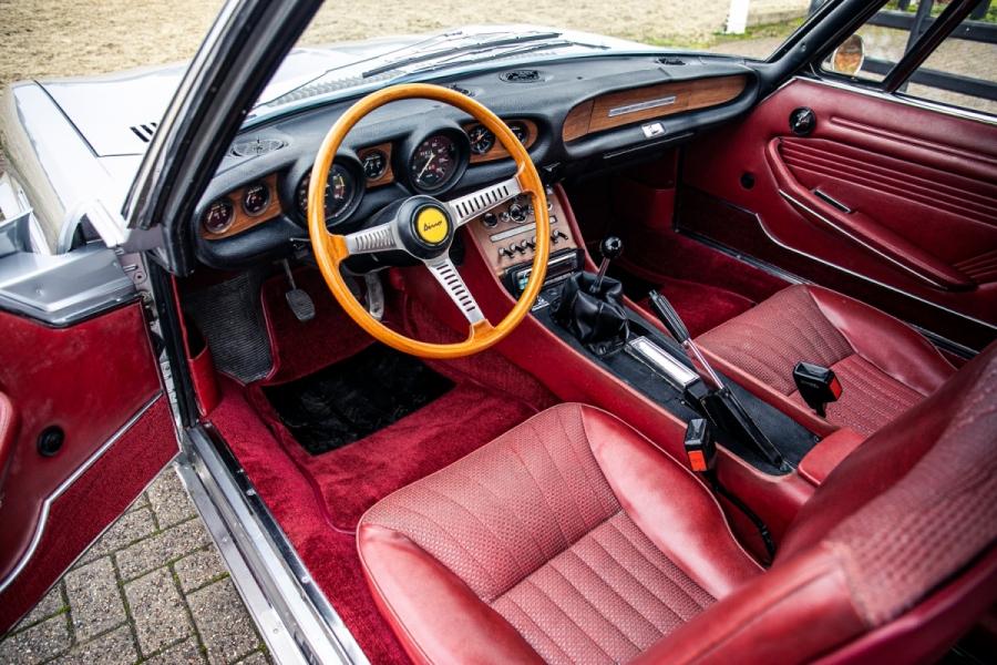 Fiat Dino coupe interior