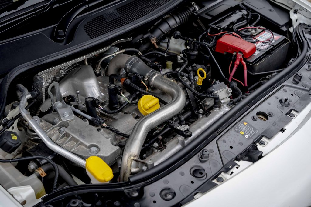 Renault Megane R26R engine