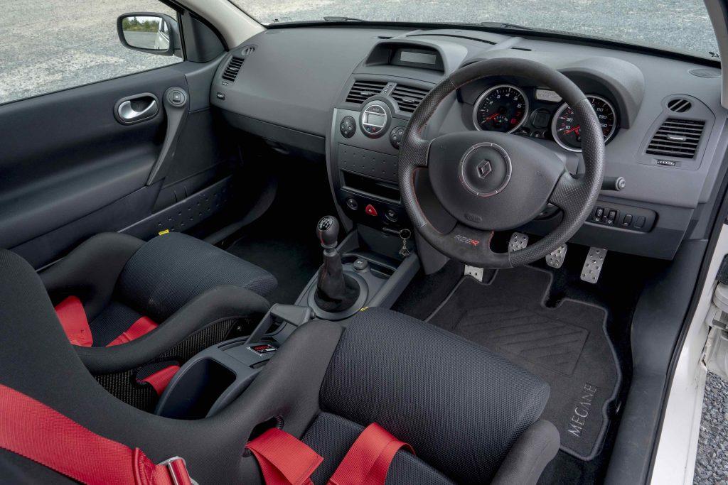 Renault Megane R26R interior_review