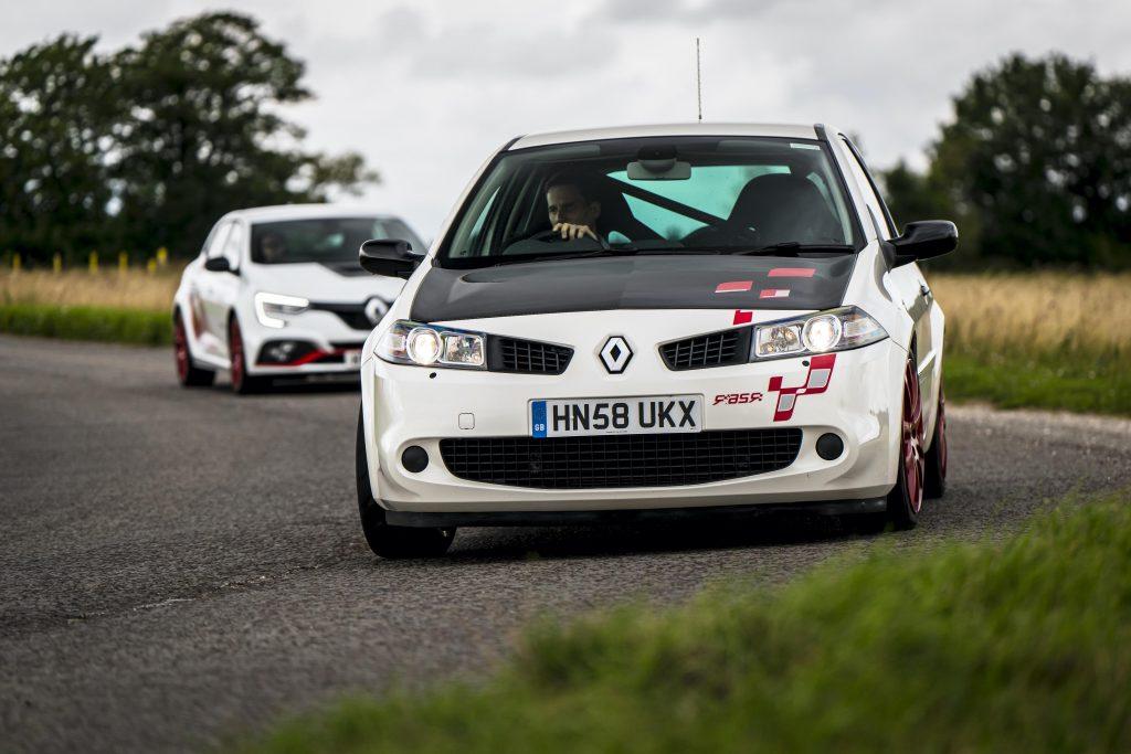 Renault megane R26R vs Megane Trophy R