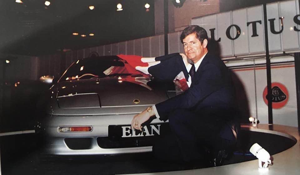 Mike Kimberley unvieling the Lotus Elan M100 in 1989