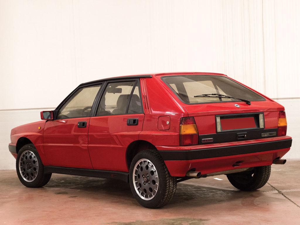 1988-Lancia-Delta-HF-Integrale rear