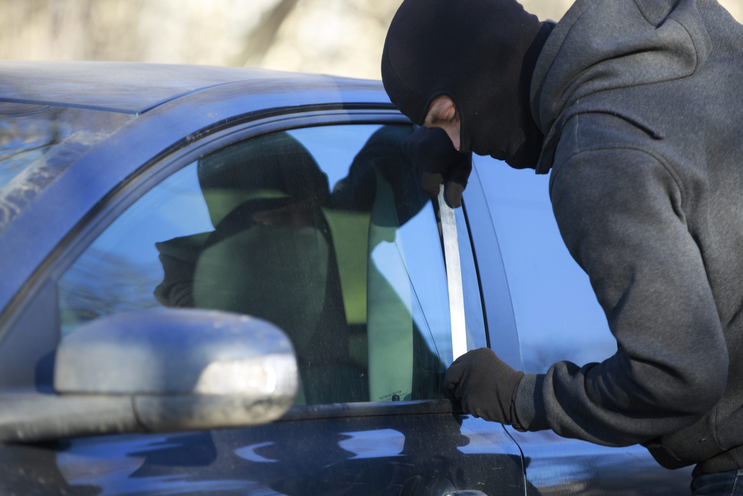 Thieves use tech to track and steal classic cars