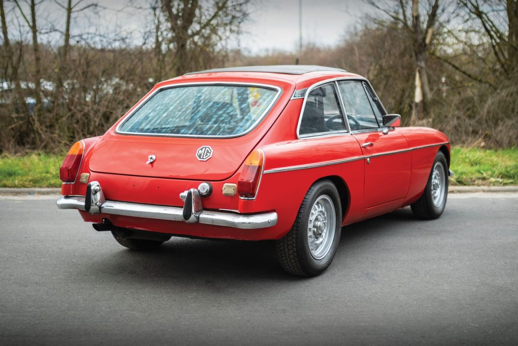 MGB GT compared with MGB Roadster_Buying Guide