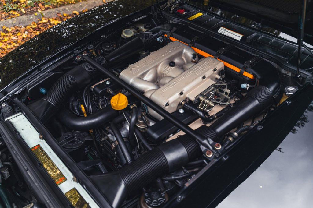 1988 Porsche 928 SE engine