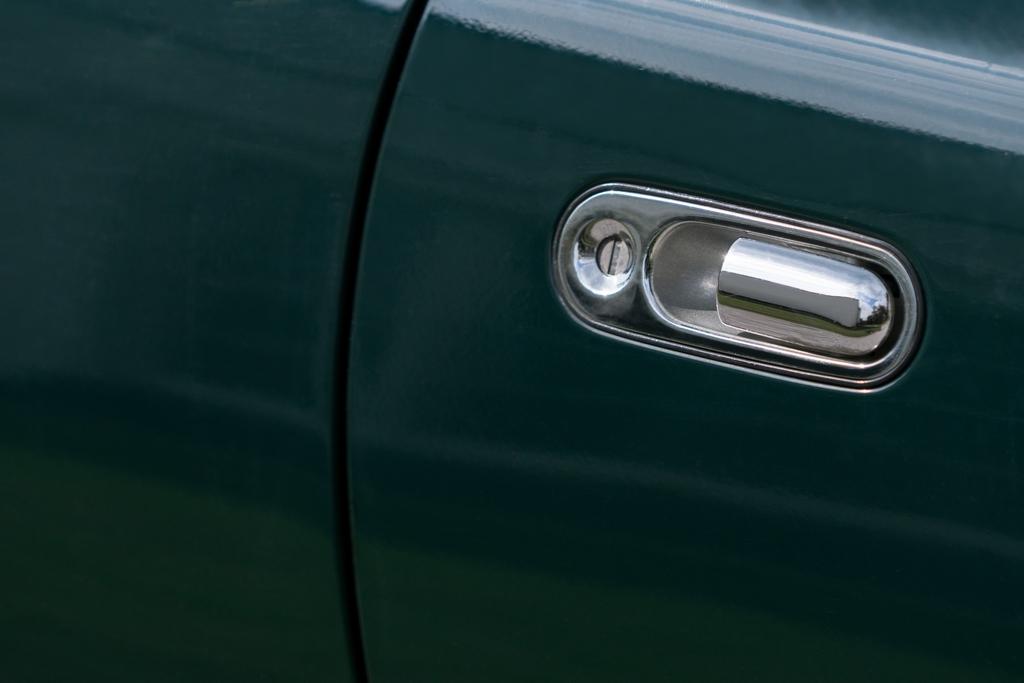 Mazda MX5 Mk1 doorhandle