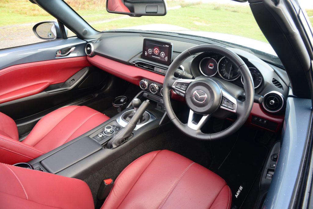 Mazda MX-5 R-Sport Mk4 interior