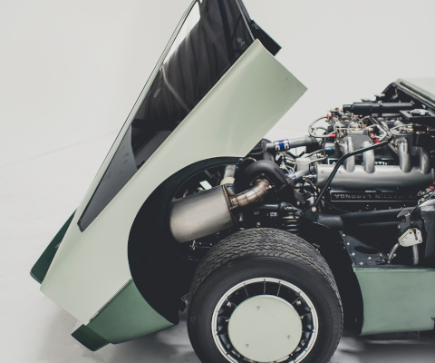 Aston Martin Bulldog supercar V8 engine