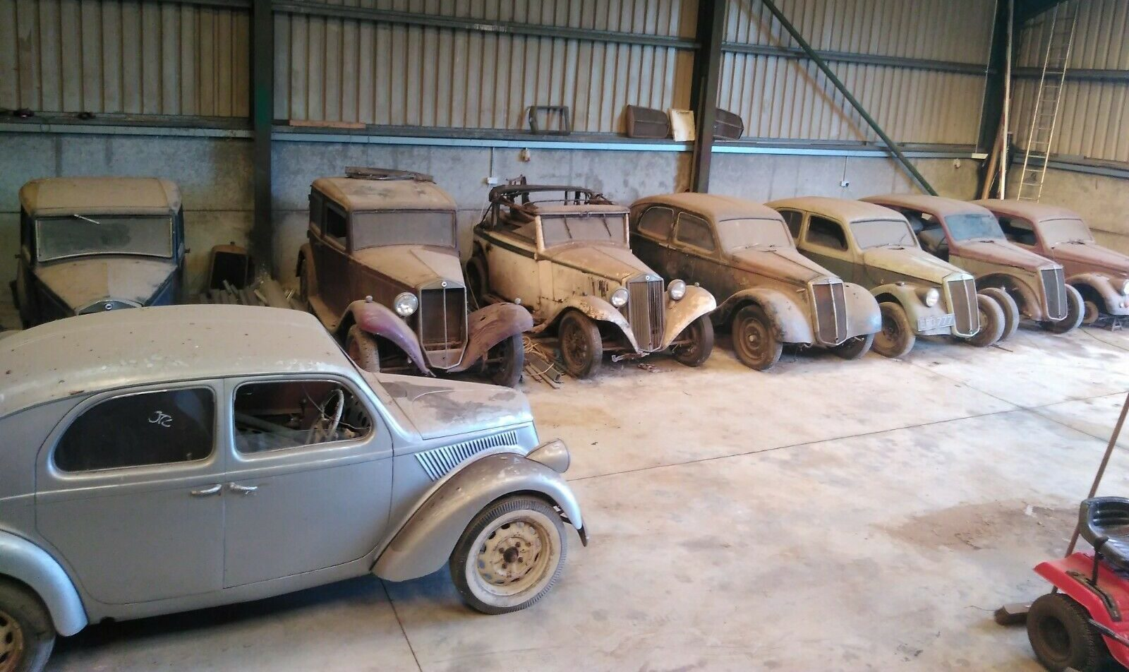 Are you brave enough to take on this pre-war Lancia barn find collection?
