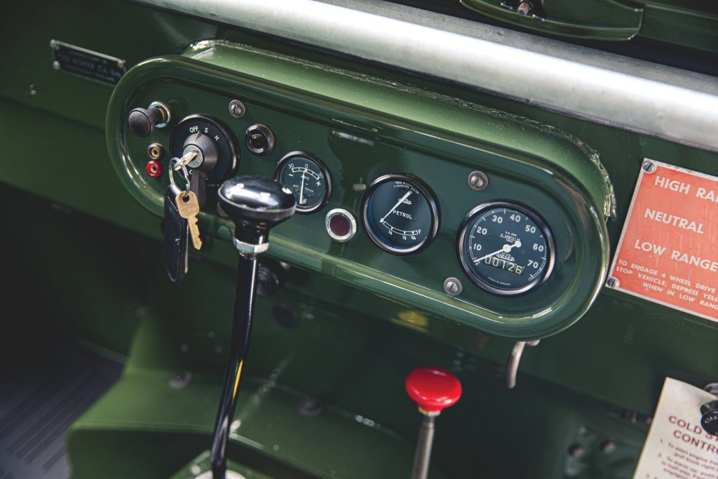 Land Rover Series 1 instruments
