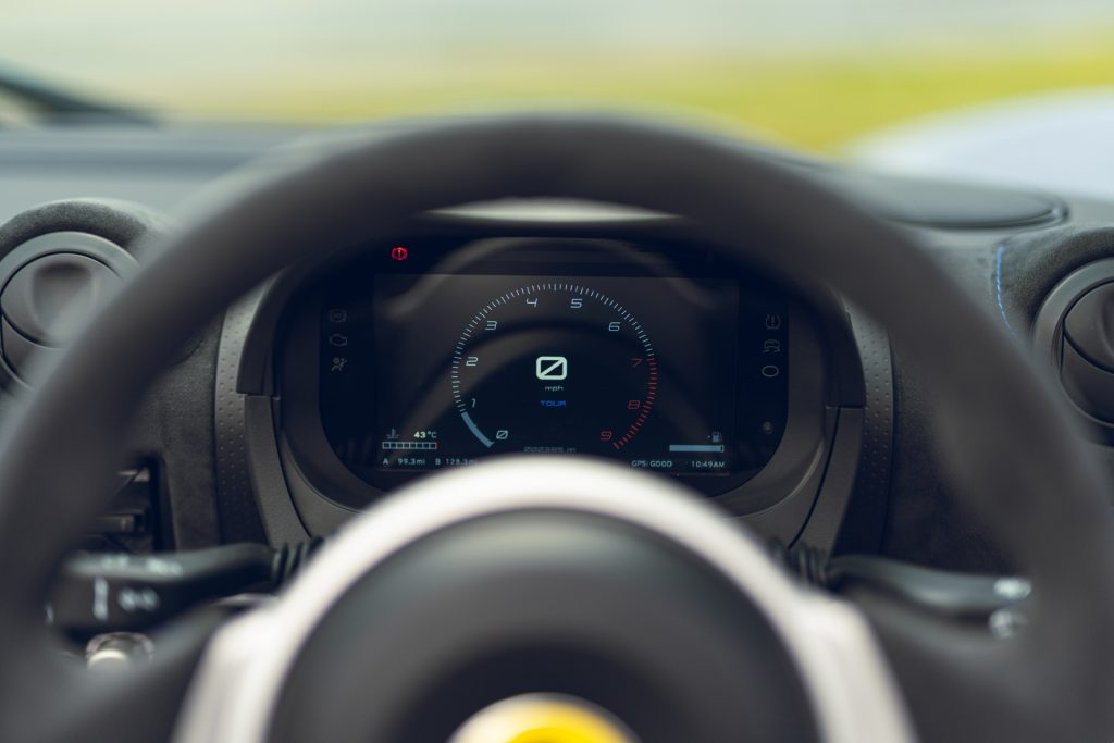 Lotus Elise Sport 240 Final  Edition digital instrument display