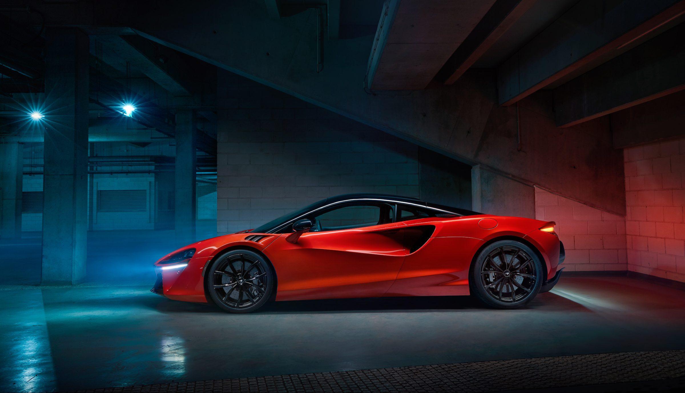 McLaren Artura: Hybrid 670bhp supercar debuts