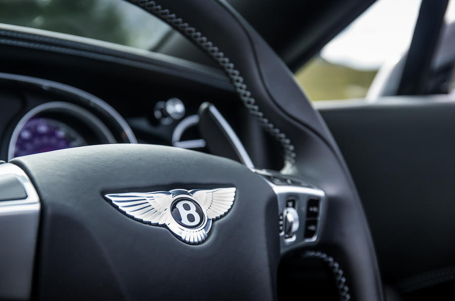 Bentley Continental GT V8S steering wheel