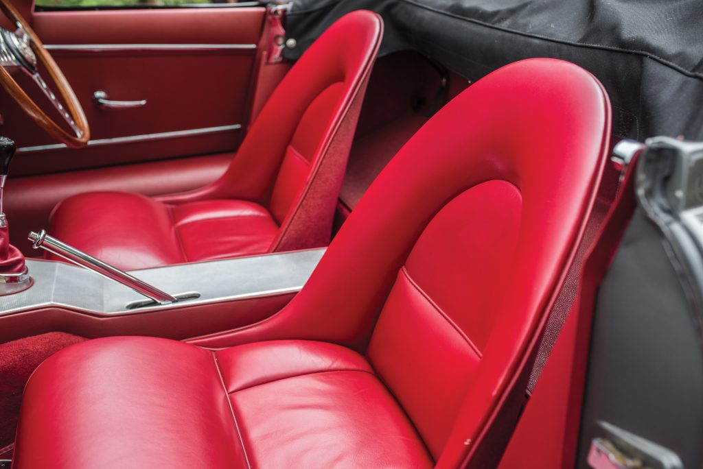 Jaguar E-Type Series 1 seats should not be overstuffed