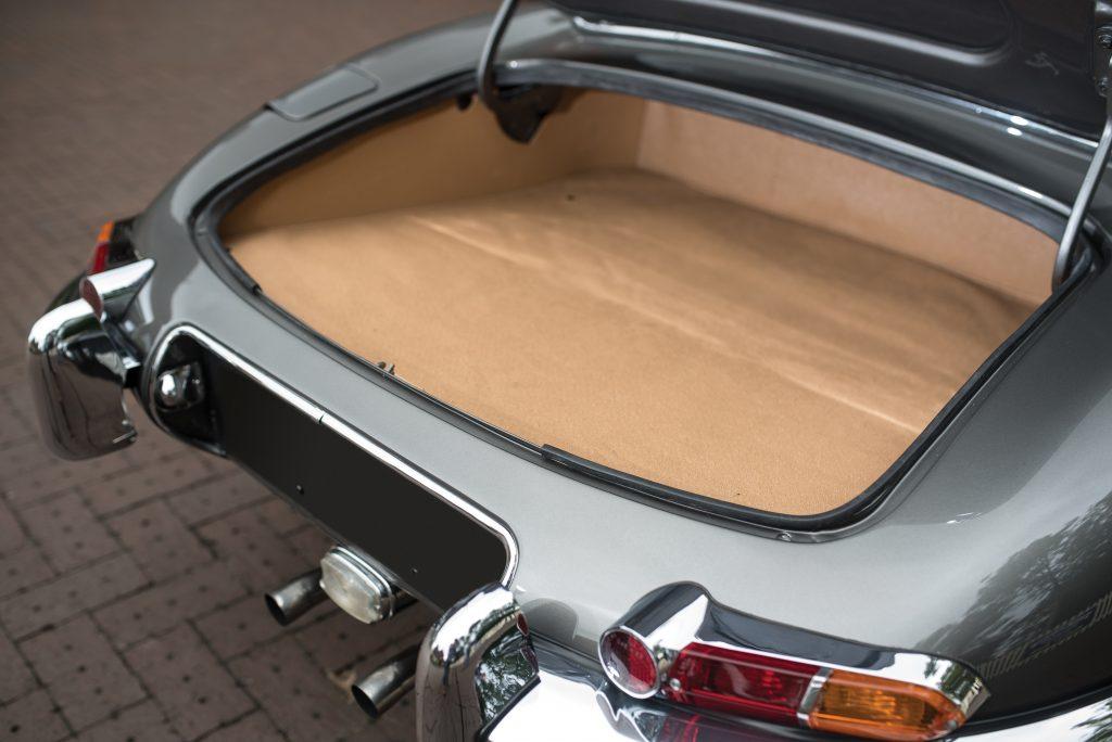 Jaguar E-Type Series 1 roadster boot