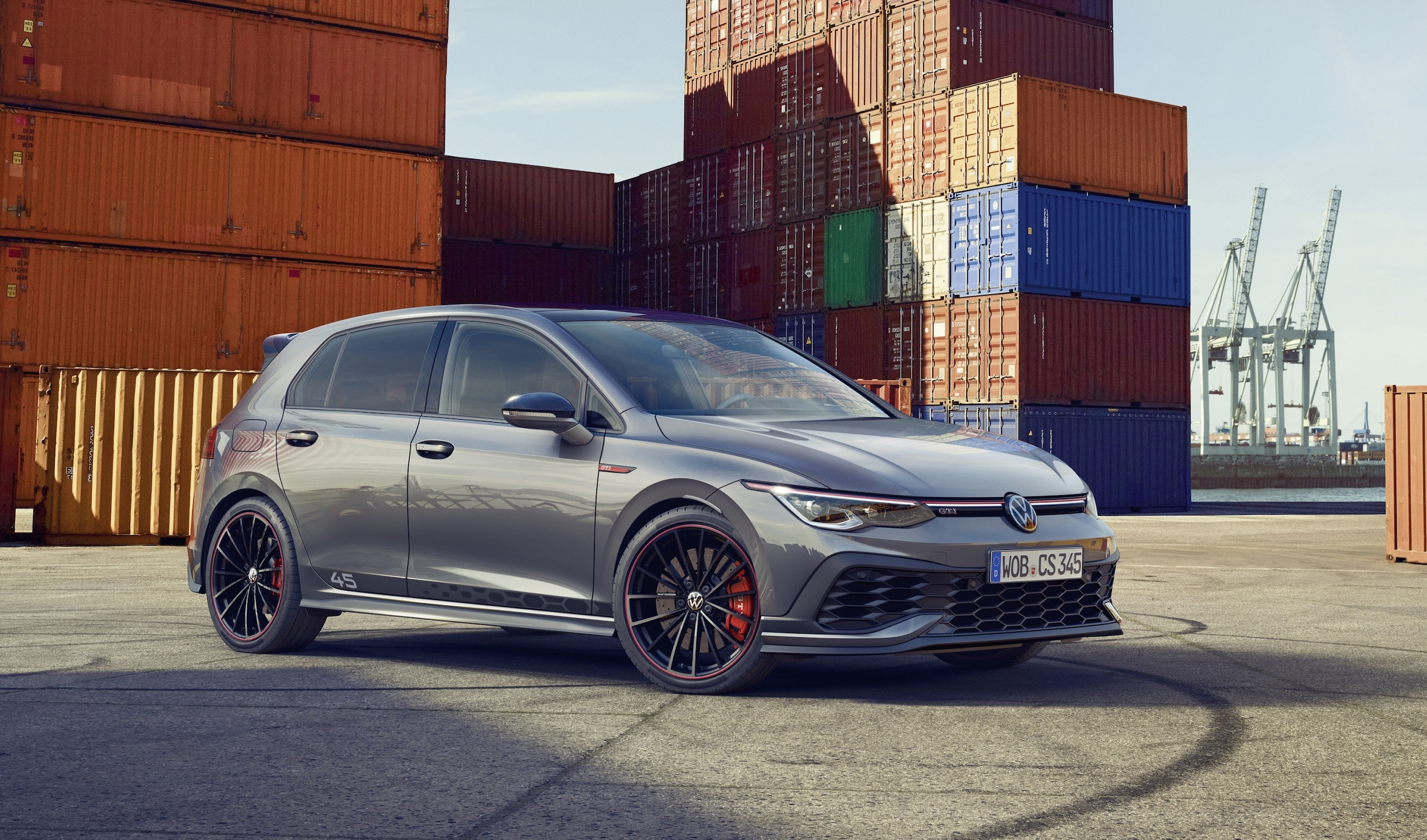Clubbing like a 45-year old: New Golf GTI Clubsport is ready to shake your groove