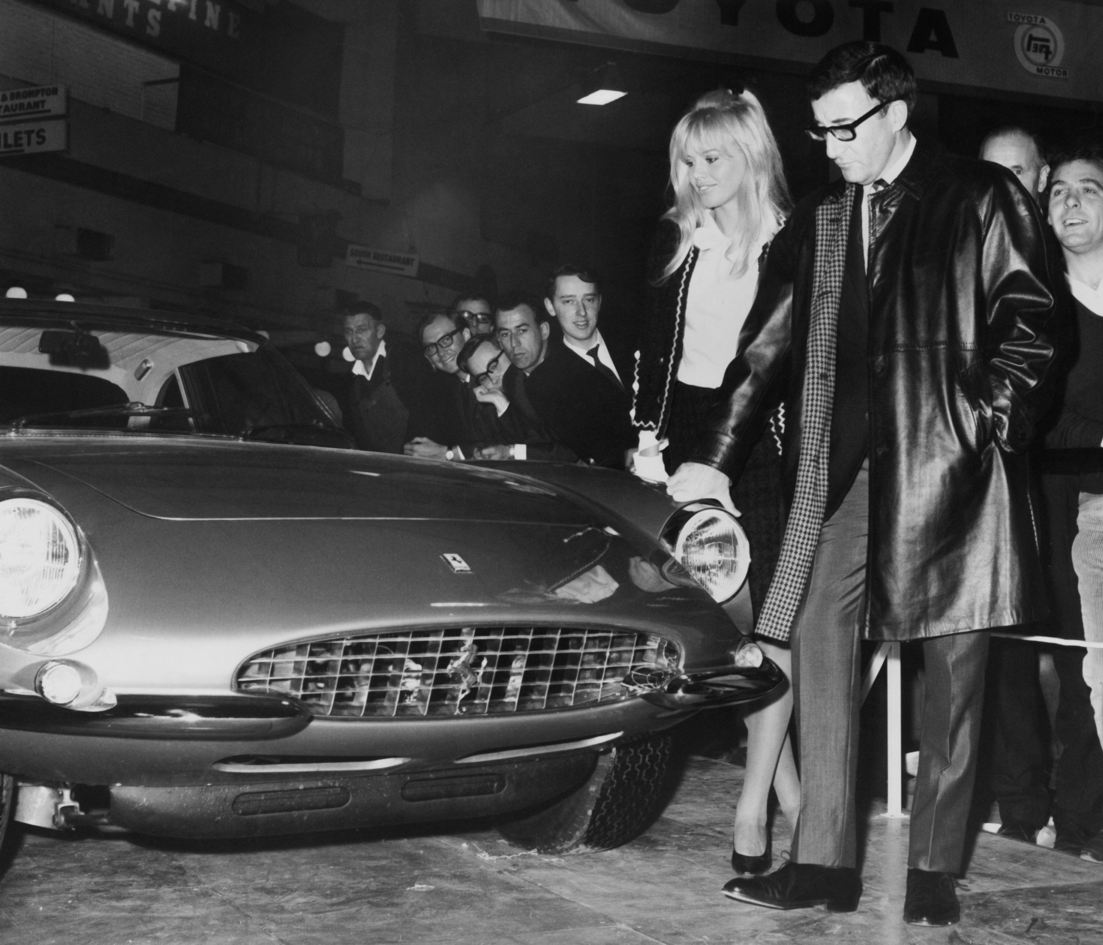 Peter Sellers and Britt Ekland with the Ferrari 500 Superfast