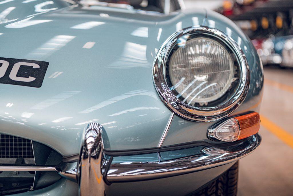 Jaguar E-Type Series 1 front light