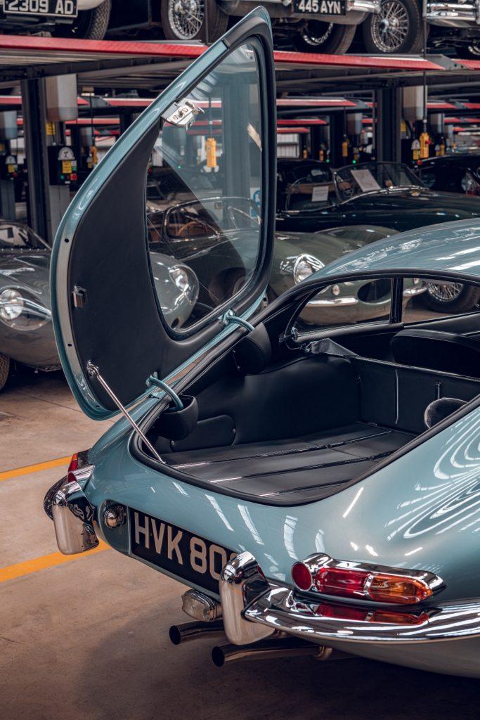 Jaguar E-Type Series 1 rear tailgate