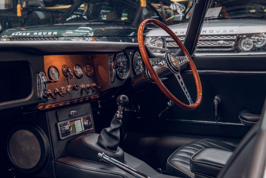 Jaguar E-Type Series 1 interior