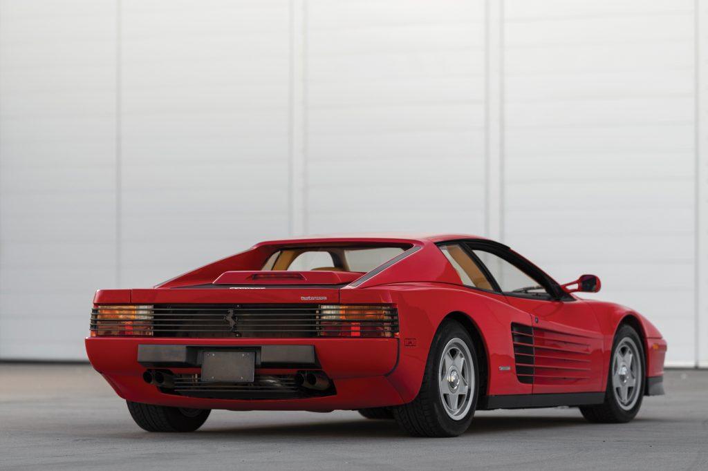 11 cars with daring design_Ferrari Testarossa